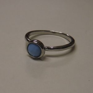 Jewelry - Simple Blue Stone Fashion Ring